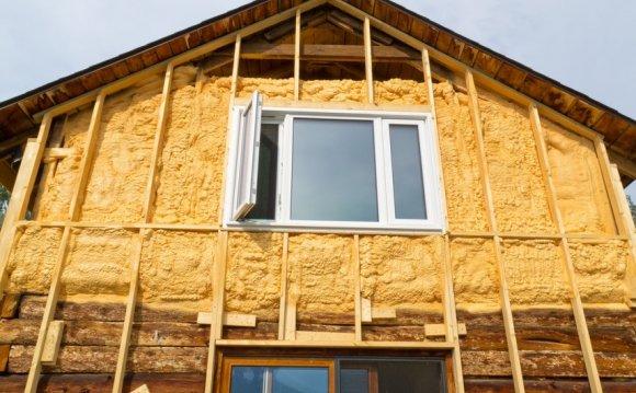 Як утеплити будинок зовні і чим