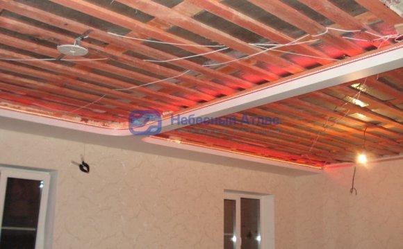 Натяжной потолок в частном