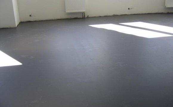 Бетонна підлога в квартирі