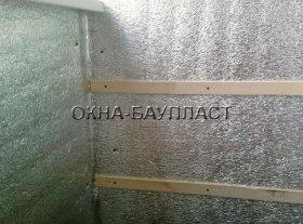 Утеплення стін балкона фольгирования пенофолом