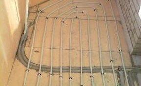 водяна підлога на балконі